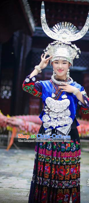 Chinese Traditional Miao Nationality Dress Embroidered Wedding Costumes and Headpiece for Women