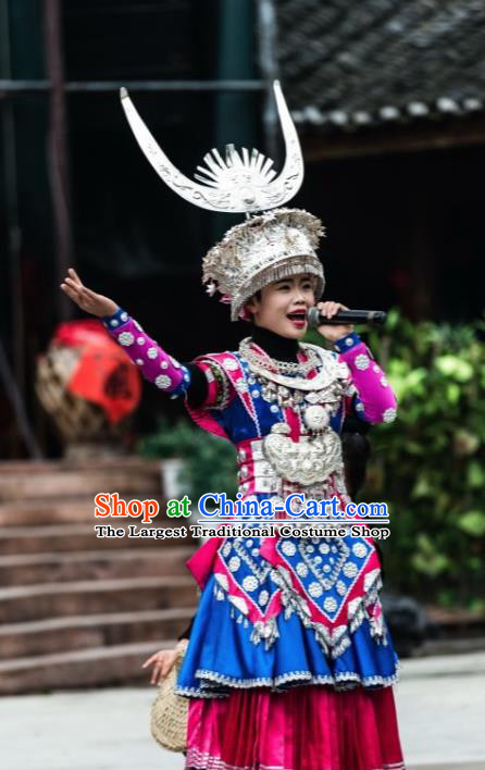 Chinese Traditional Miao Nationality Dance Embroidered Wedding Costumes and Headpiece for Women