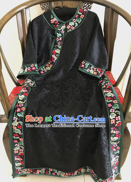 Traditional Chinese Handmade Silk Costume Tang Suit Embroidered Black Brocade Qipao Dress for Women