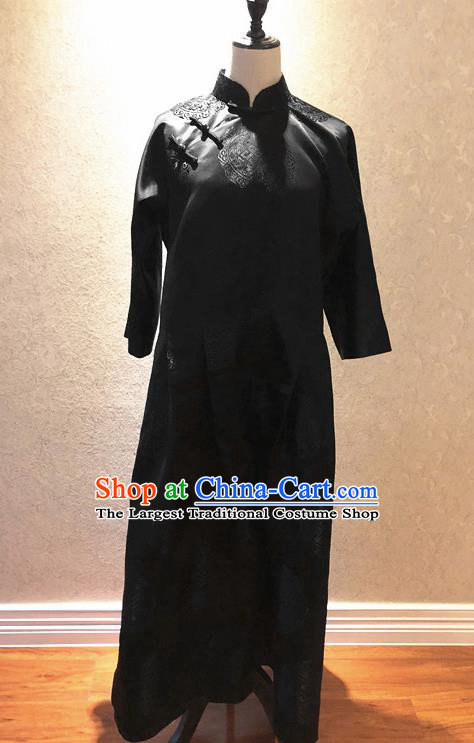 Traditional Chinese Handmade Embroidered Costume Tang Suit Black Cheongsam Long Robe for Women