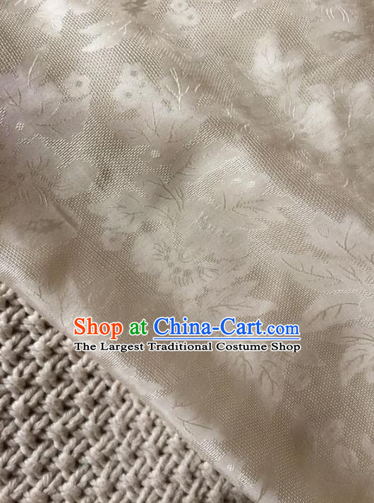 Asian Chinese Traditional Cheongsam Silk Fabric Royal Pattern White Brocade Cloth Silk Fabric