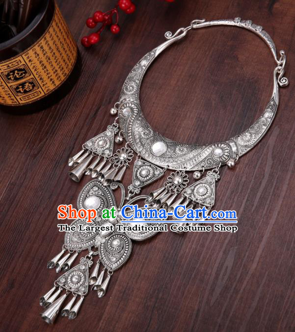 Chinese Traditional Jewelry Accessories Miao Minority Wedding Carving Butterfly Necklace for Women