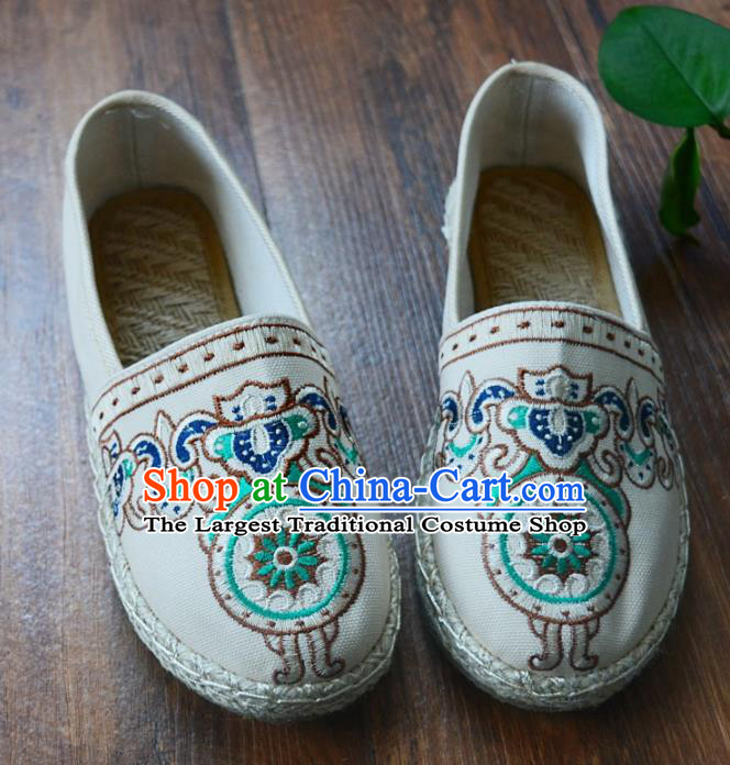 Chinese Traditional Hanfu Shoes Ancient Martial Arts Shoes Embroidered White Shoes for Women