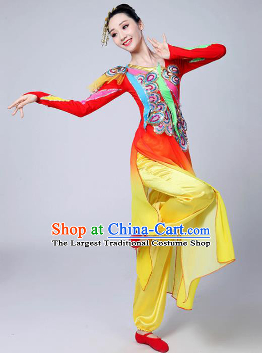 Chinese Traditional Group Dance Yangko Red Costumes Stage Performance Folk Dance Clothing for Women