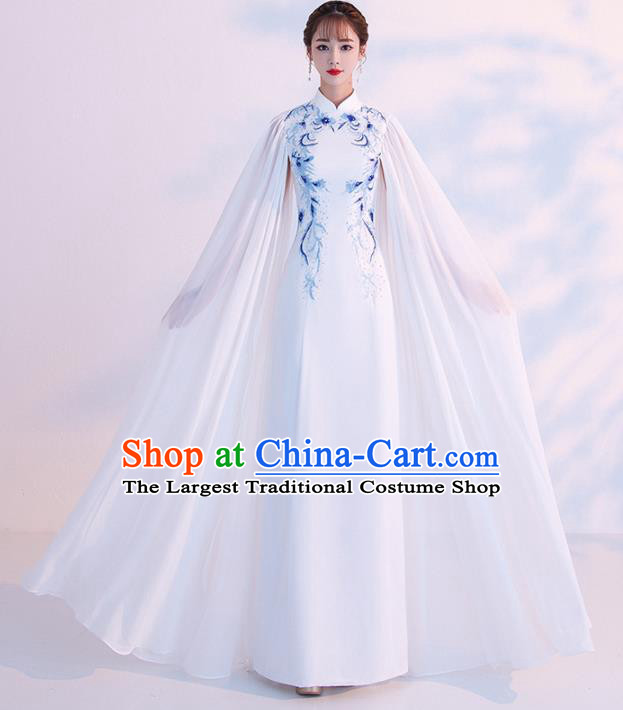 Chinese Traditional Costumes Elegant Embroidered White Cheongsam Qipao Dress for Women