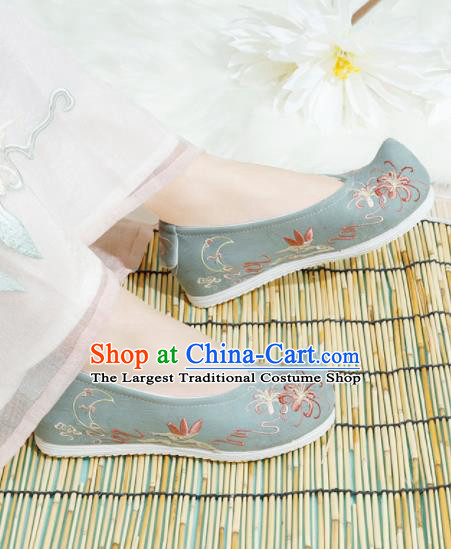 Chinese National Embroidered Chrysanthemum Green Shoes Ancient Traditional Princess Shoes Hanfu Shoes for Women