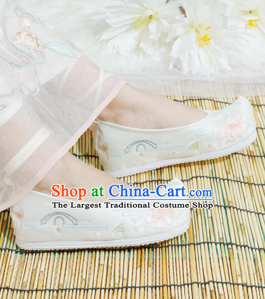 Chinese National Embroidered Lotus White Shoes Ancient Traditional Princess Shoes Hanfu Shoes for Women