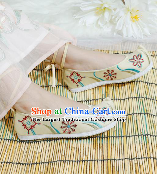 Chinese National Yellow Embroidered Shoes Ancient Traditional Princess Shoes Hanfu Shoes for Women