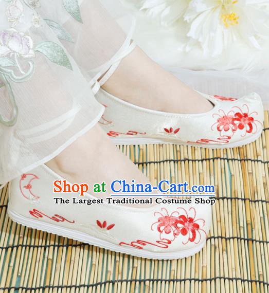 Chinese National Embroidered Manjusaka White Shoes Ancient Traditional Princess Shoes Hanfu Shoes for Women