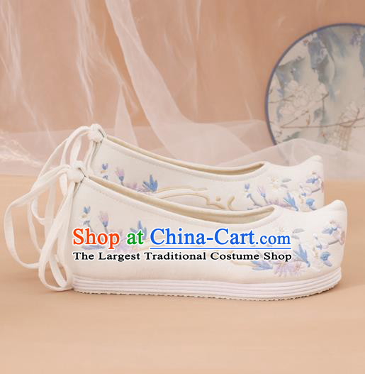 Traditional Chinese National Embroidered White Shoes Ancient Princess Shoes Handmade Hanfu Shoes for Women