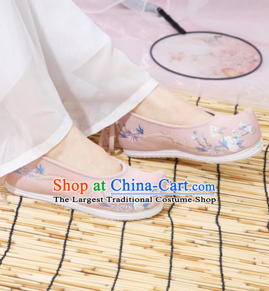 Traditional Chinese National Embroidered Pink Shoes Ancient Princess Shoes Handmade Hanfu Shoes for Women