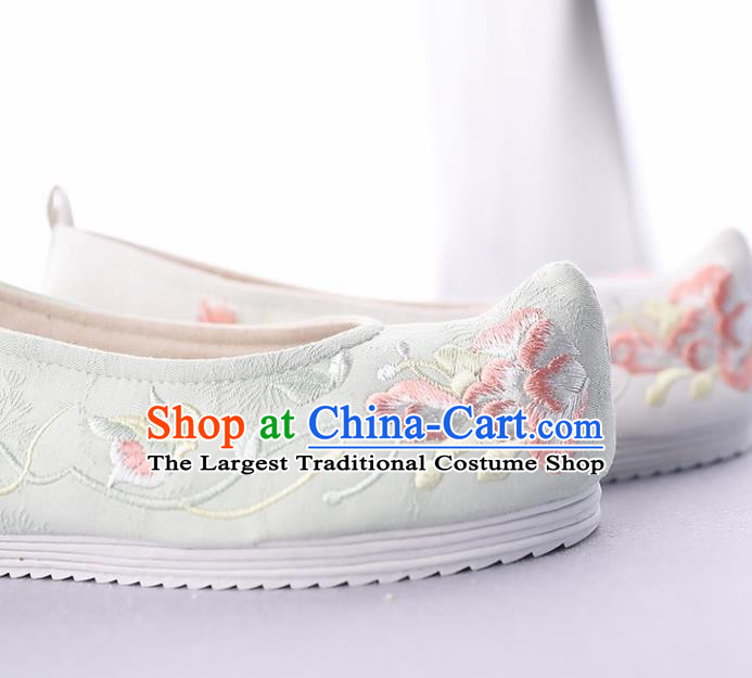 Traditional Chinese National Embroidered Green Shoes Ancient Princess Cloth Shoes Handmade Hanfu Shoes for Women