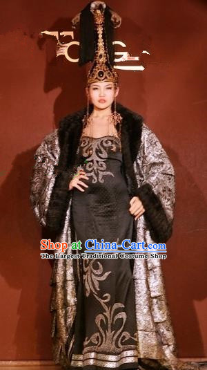 Traditional Chinese Mongol Nationality Grey Costume Mongolian Ethnic Stage Show Dress for Women