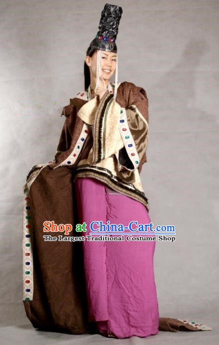 Traditional Chinese Mongol Nationality Brown Costume Mongolian Ethnic Stage Show Dress for Women