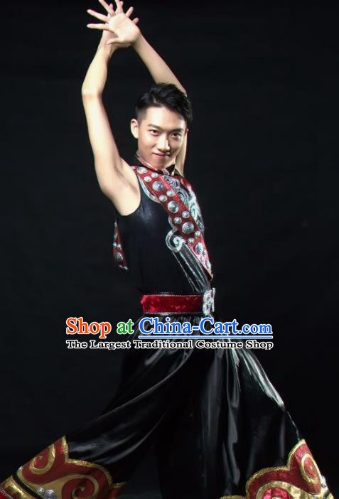 Chinese Traditional Yi Nationality Dance Costume Ethnic Folk Dance Stage Show Clothing for Men