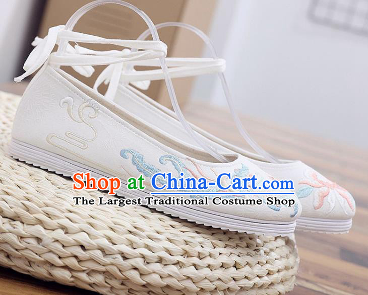 Traditional Chinese Embroidered Peony Butterfly White Shoes Handmade Cloth Shoes National Cloth Shoes for Women