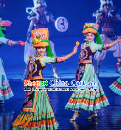 Chinese The Romantic Show of Lijiang Li Ethnic Nationality Dance Green Dress Stage Performance Costume and Headpiece for Women