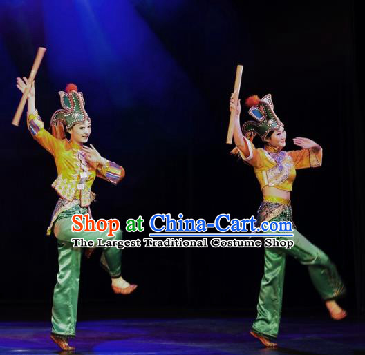 Chinese Oriental Apparel Tujia Nationality Dance Dress Stage Performance Ethnic Costume and Headpiece for Women