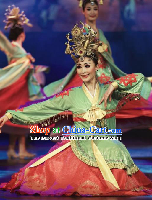 Chinese Oriental Apparel Classical Dance Dress Stage Performance Costume and Headpiece for Women