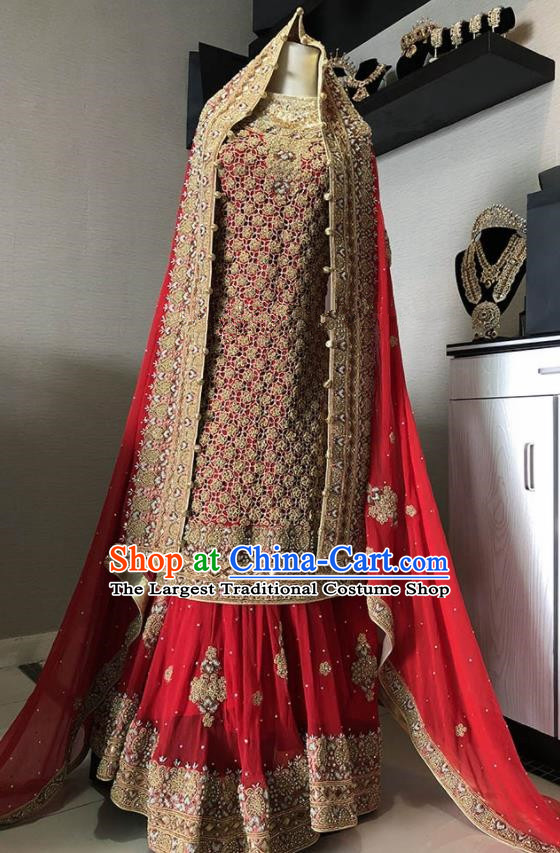 Asian  Indian Court Queen Embroidered Red Wedding Dress Traditional   India Hui Nationality Bride Costumes for Women