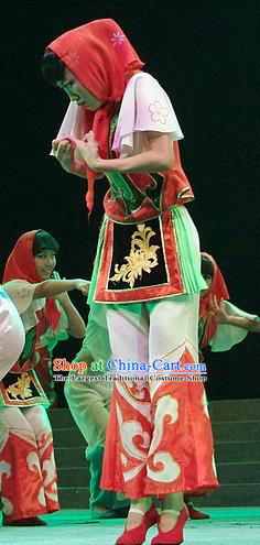 Phoenix Flying Qiang Dance Traditional Chinese Qiang Ethnic Folk Dance Dress and Headwear for Women