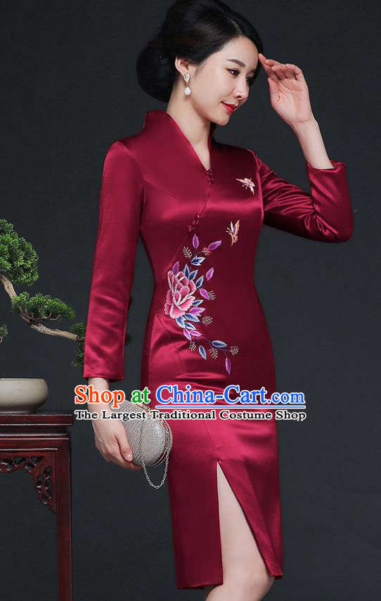 Traditional Chinese Embroidered Butterfly Wine Red Silk Cheongsam Mother Tang Suit Qipao Dress for Women