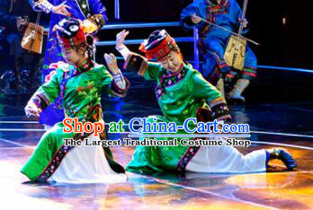 Chinese Prairie Female Embroider Mongol Nationality Dance Green Dress Stage Performance Costume and Headpiece for Women