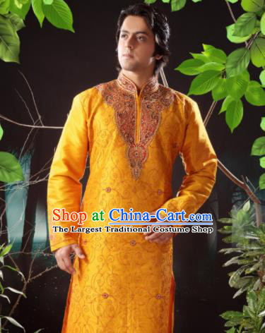 Asian Indian Sherwani Bridegroom Embroidered Golden Clothing India Traditional Wedding Costumes Complete Set for Men