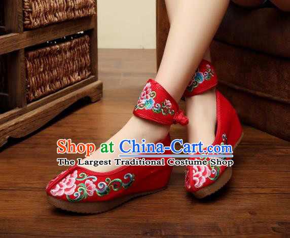 Traditional Chinese Old Beijing Bride Embroidery Peony Red Shoes National Embroidered Shoes Hanfu Shoes for Women