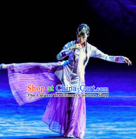 Trilogy of the Rapids Chinese Peking Opera Nobility Lady Dress Stage Performance Dance Costume and Headpiece for Women