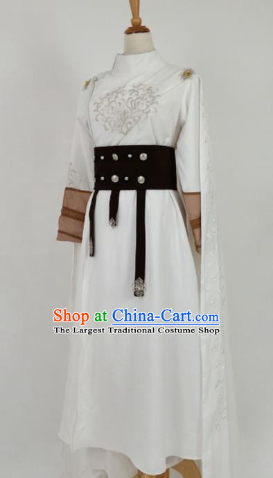 Traditional Chinese Tang Dynasty Swordswoman White Hanfu Ancient Female Knight Historical Costume for Women