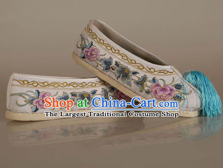 Asian Chinese Beijing Opera Shoes White Satin Embroidered Shoes Traditional Peking Opera Diva Shoes