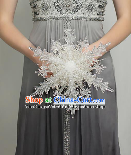 Chinese Traditional Wedding Bridal Bouquet Hand Crystal Snowflake Bunch for Women