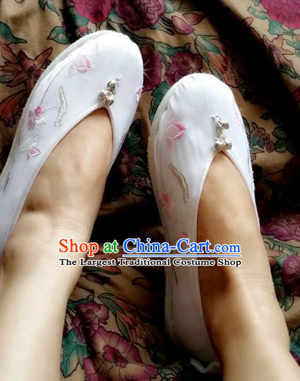 Chinese Ancient Princess White Shoes Traditional Cloth Shoes Hanfu Shoes Embroidered Shoes for Women