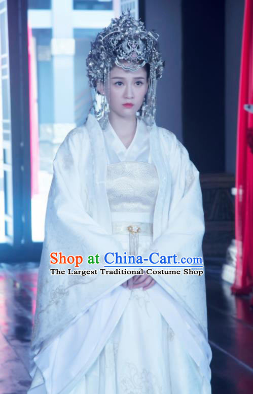 Chinese Drama Queen Dugu Traditional Ancient Sui Dynasty Palace Queen Embroidered Wedding Historical Costume and Headpiece Complete Set