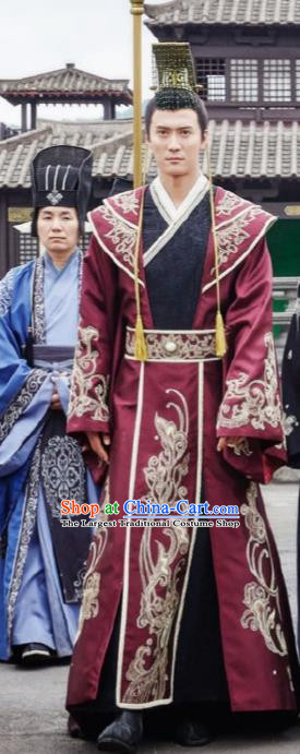 Chinese Ancient Drama Hanfu Clothing Northern Zhou Dynasty Emperor Yuwen Yong Embroidered Historical Costume and Headpiece for Men