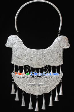 Traditional Chinese Miao Nationality Sliver Necklet Hmong Wedding Tassel Necklace for Women
