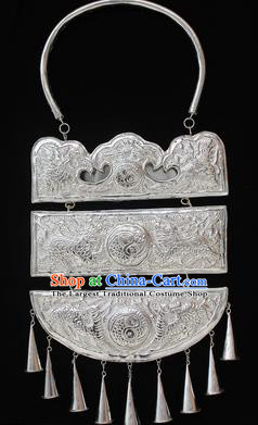 Traditional Chinese Miao Nationality Sliver Necklet Hmong Wedding Necklace for Women