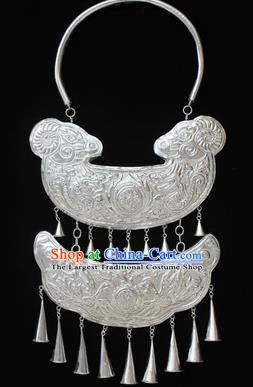 Traditional Chinese Miao Nationality Sliver Necklet Hmong Wedding Carving Sheep Necklace for Women