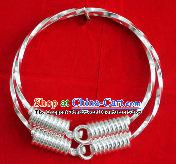 Chinese Traditional Miao Nationality Sliver Bracelet Hmong Wedding Carving Bangle for Women