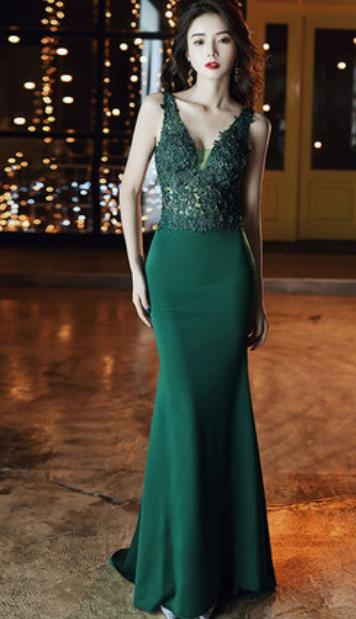 Top Grade Modern Fancywork Embroidered Green Formal Dress Compere Catwalks Costume for Women