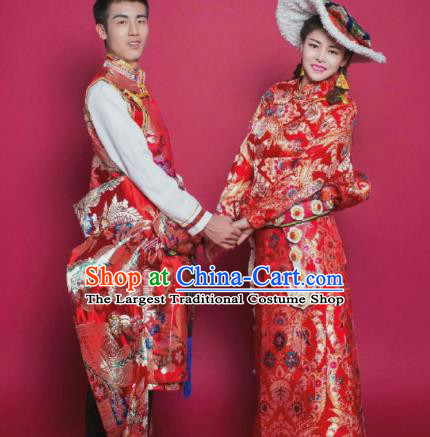 Chinese Traditional Tibetan Bride and Bridegroom Red Brocade Robes Zang Nationality Wedding Ethnic Costumes for Women for Men