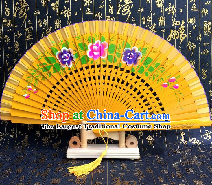 Chinese Handmade Classical Folding Fans Printing Wood Yellow Accordion Fan for Women