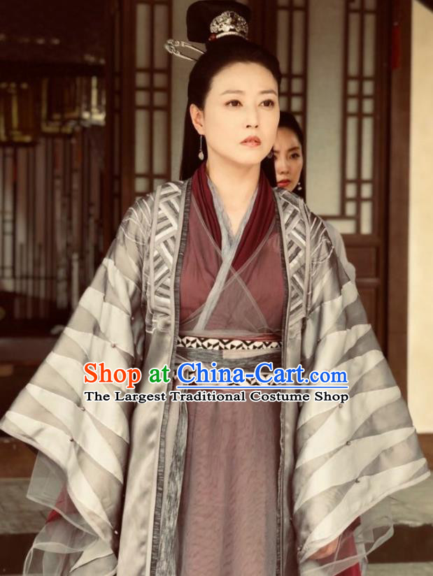 Chinese Ancient Yuan Dynasty Taoist Nun Swordswoman Drama Relying on Heaven to Slaughter Dragons Historical Costume and Headpiece for Women