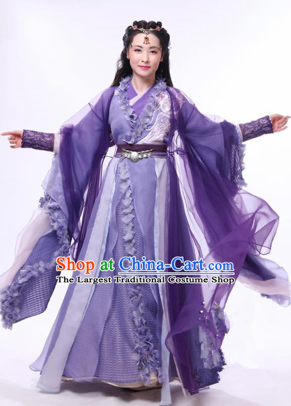 Chinese Drama Relying on Heaven to Slaughter Dragons Ancient Swordswoman Saintess Historical Costume and Headpiece for Women