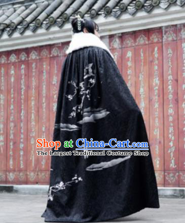 Traditional Chinese Ming Dynasty Princess Black Cloak Ancient Embroidered Costume for Women