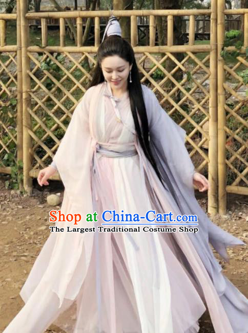 Chinese Ancient Taoist Nun Hanfu Dress Yuan Dynasty Drama Heavenly Sword Dragon Slaying Saber Swordswoman Historical Costume for Women