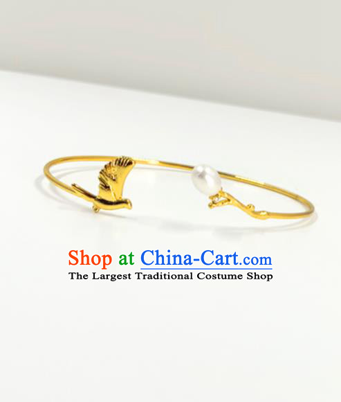 Handmade Chinese Stage Show Golden Bird Bangle Accessories Catwalks Bracelet for Women