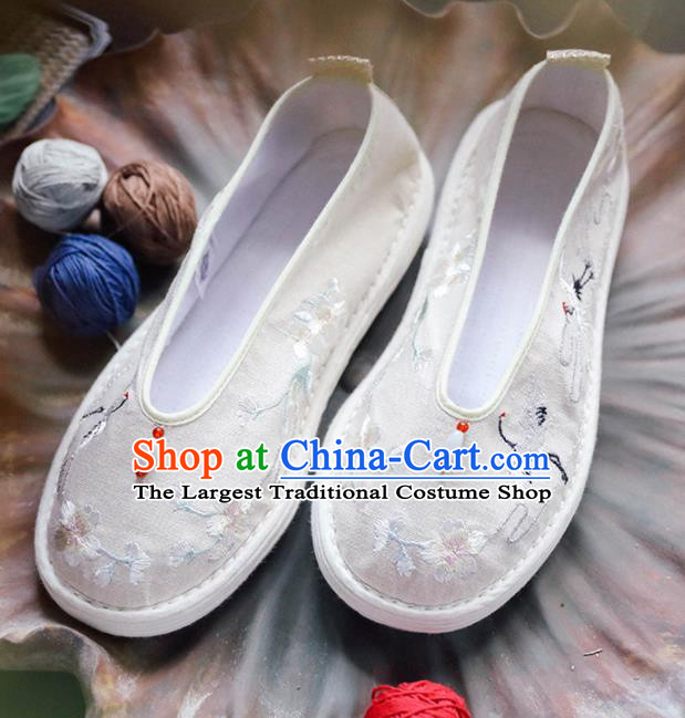 Chinese Handmade Cloth Shoes Traditional National Shoes Ancient Princess White Embroidered Hanfu Shoes for Women