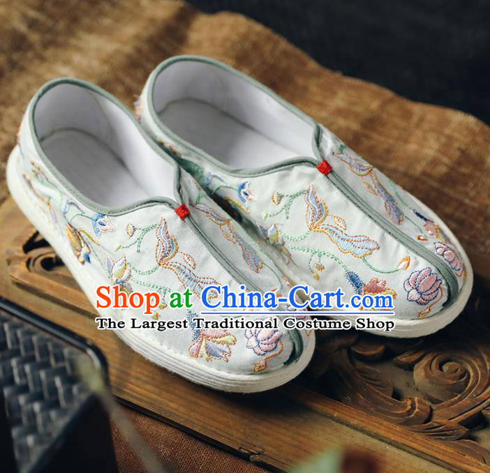 Chinese Handmade White Cloth Shoes Traditional National Shoes Ancient Princess Embroidered Lotus Hanfu Shoes for Women